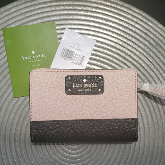 f0b867025556 KATE SPADE Bay Street Tellie Leather Wallet NWT!